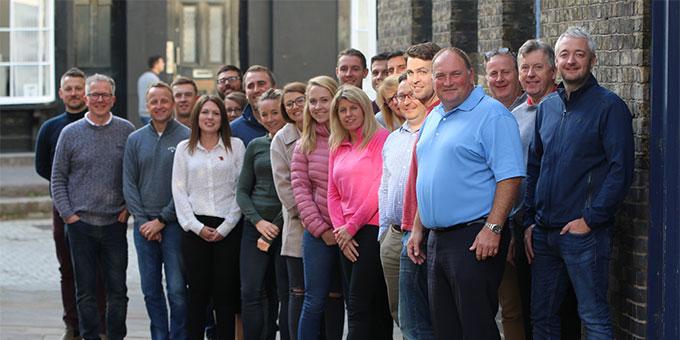 Les entraîneurs de love.golf jettent le livre des règles et jouent dans les rues de Londres