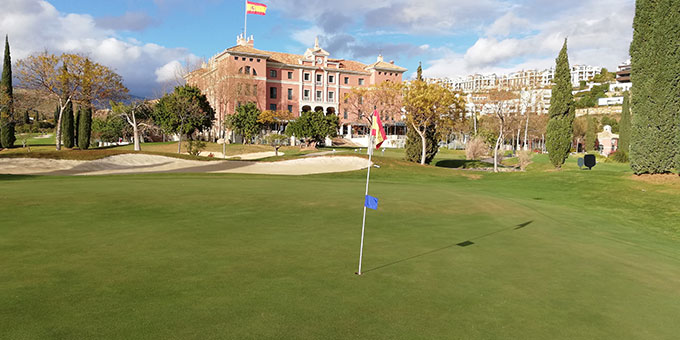Marbella, le golf en relief
