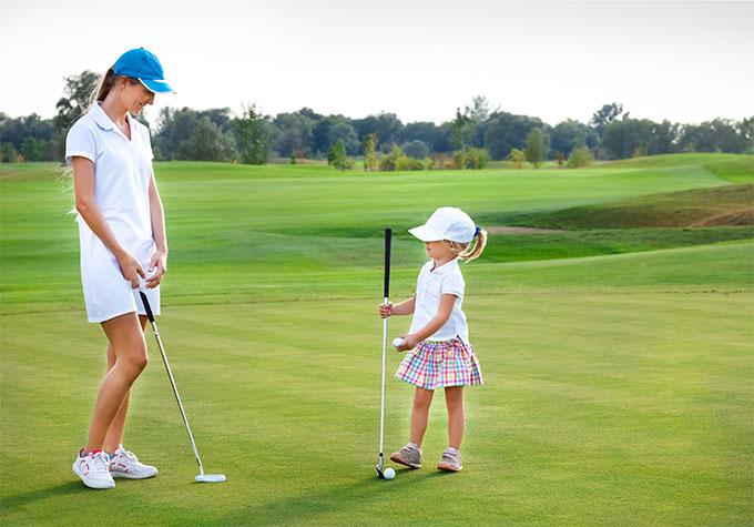 Femmes et enfants : initiations gratuites au golf chez UGOLF !