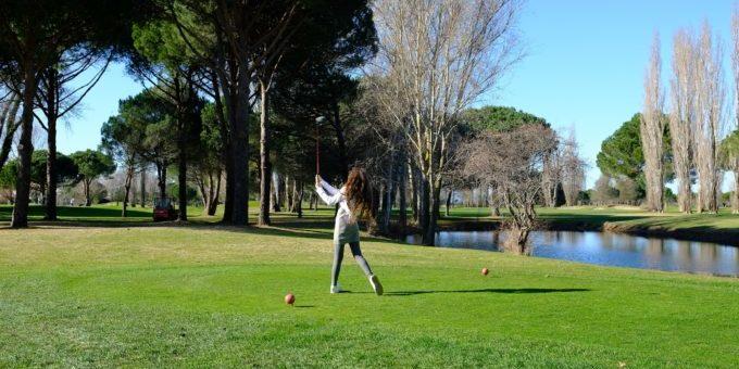 Sophie au départ du golf de la Grande Motte