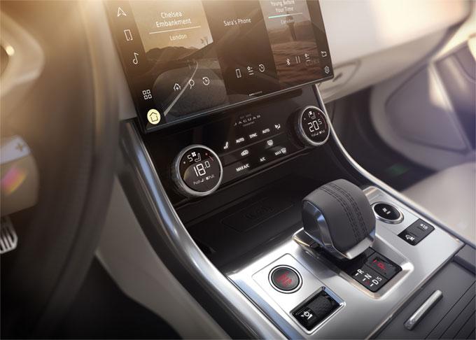 La nouvelle Jaguar XF : élégante, luxueuse, connectée