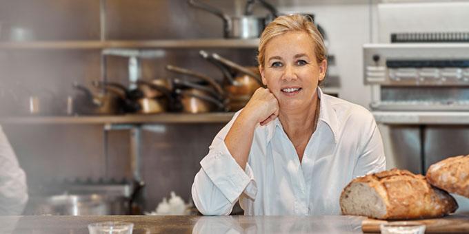 Hélène Darroze reçoit sa 2e étoile MICHELIN pour son restaurant Marsan