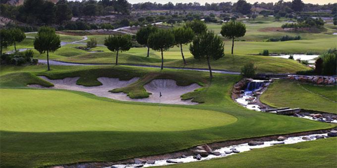 לאס קולינאס גולף אנד קאנטרי קלאב משתפר לרגל עשור להיווסדו
